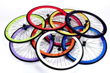 An image showing a pile of Retrospec Mantra Fixie Wheels to show off the range of available colours for the Retrospec Mantra Fixie Wheels Review