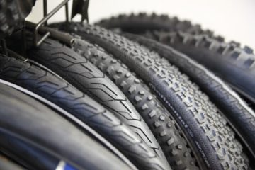 The featured image of a top 5 most recommended fixie tires article showing off a range of tires you could pick for your fixie